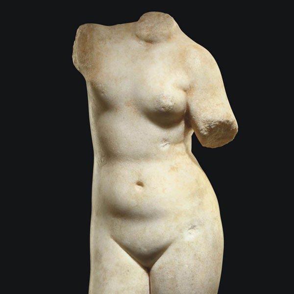 Женский торс в античной скульптуре