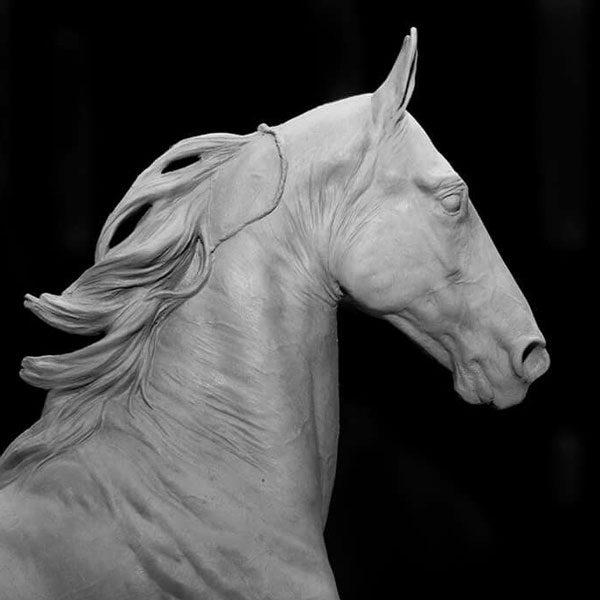 Голова лошади в скульптуре