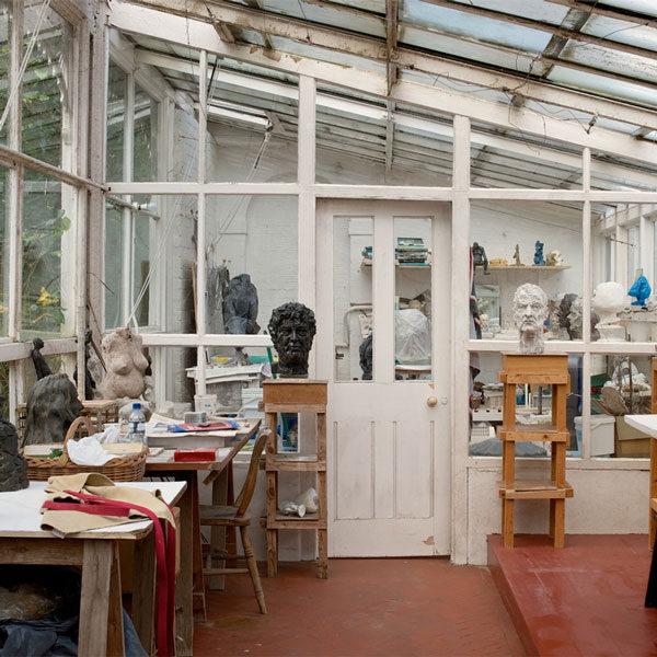 Рабочее место скульптора
