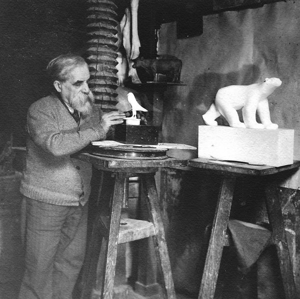 Французский скульптор Франсуа Помпон