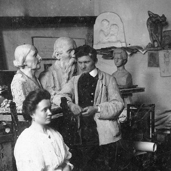 Скульптор Лембрук