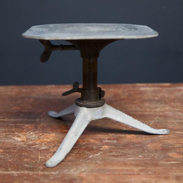 Поворотный столик скульптора