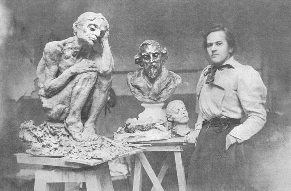 Анна Семеновна Голубкина в своей мастерской в Париже